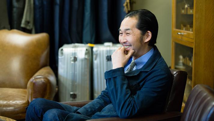 すらりとした長身、こなれた着こなしの中川社長は、ユニオンワークスそのもの。
